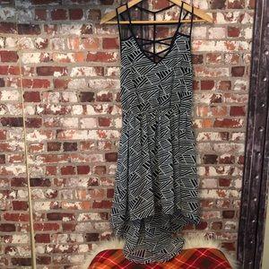 🆕🔺High-low Graphic design Flowy Dress